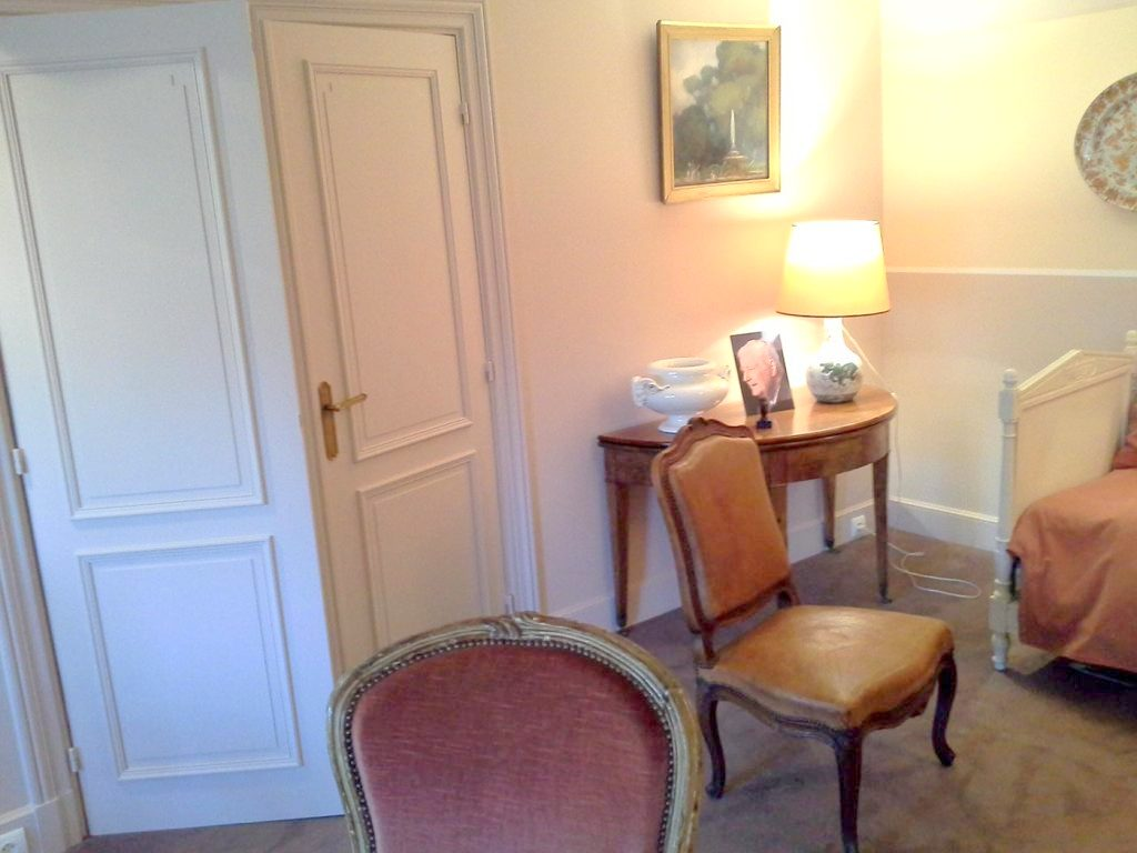 http://daphne-deco.fr/wp-content/uploads/2018/03/spacieux-appartement-ambiances-salon-02-1024x768-1.jpg